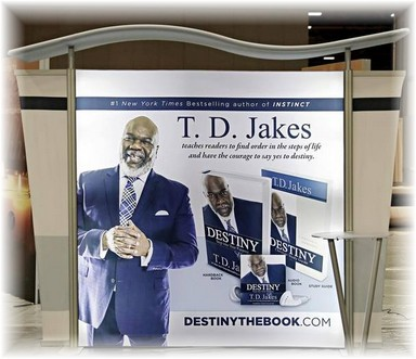 t.d.-jakes-10ft-tahoe-hybrid-display.jpg
